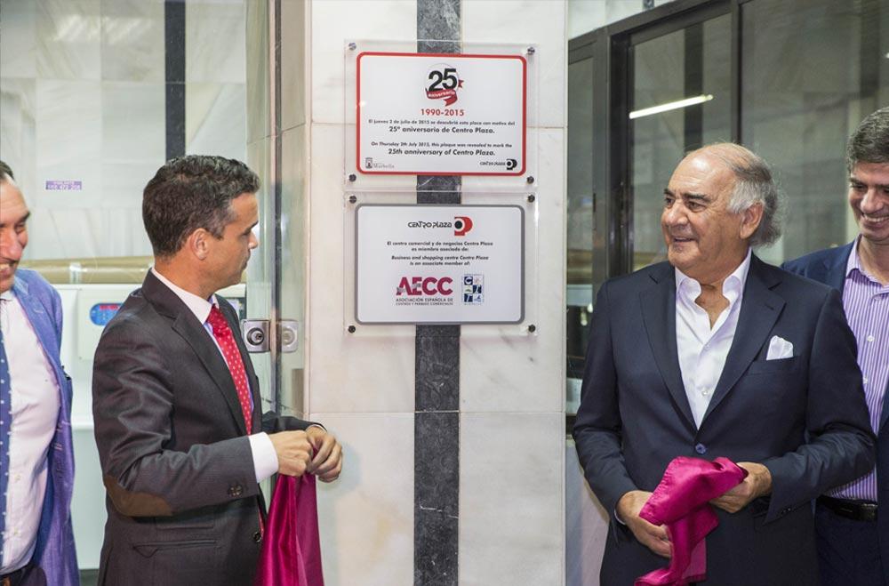 José Berna (Alcalde de Marbella) y Alfonso Fernández (Promotor y anterior administrador del centro)